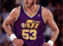 Former 7'4 Utah Jazz center speaks at energy summit