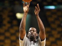 Ex All-Star Michael Finley wants one more run as NBA player
