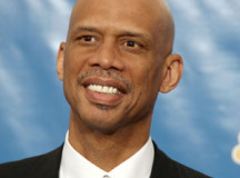 Kareem Abdul-Jabbar honored, gets his own bronze statue – PHOTOS