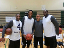 Scottie Pippen helps Obama to win basketball game, prior to elections