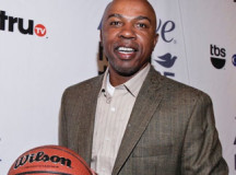 Greg Anthony honored for athletic success and philanthropic work