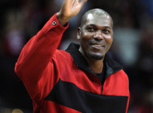 "Hakeem Olajuwon awarded with ""Legend of the Year"" honor"