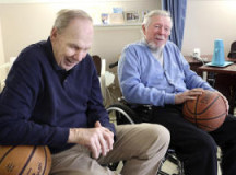 Ex-NBA pro Ken Sears spending time with basketball-loving patient at Watsonville hospital