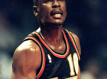 Judge sets $250K bond for ex-NBA player Mookie Blaylock in fatal crash