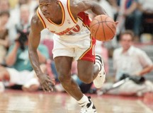 Former NBA guard Mookie Blaylock in hospital after car wreck, faces charges as well
