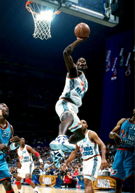 df2ddffaac9 Here below is a collection of Kemp's photos during his participation in the 1996  NBA All Star game in San Antonio, where Kemp wears the original Navy/White  ...