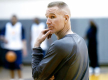 50-year old Chris Mullin goes 14 for 15, killing competition (VIDEO)