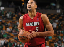Miami Heat keeps ex-players Juwan Howard, Tim Hardaway in organization