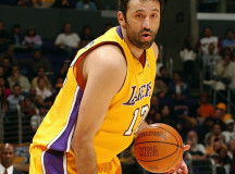Ex-NBA center Vlade Divac says LA Lakers to win NBA title this season