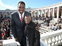 Former Spurs center David Robinson joined US president to honor veterans
