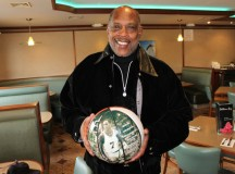 "NBA legends join Nate ""Tiny"" Archibald for new memorabilia company"