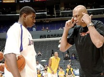 Abdul-Jabbar: Andrew Bynum not consistent with commitment to the game