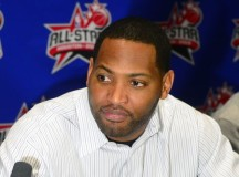 Former NBA player Robert Horry crashes his Infinity into motorcycle, stays alive