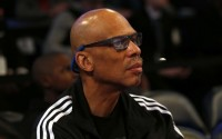 Abdul-Jabbar protects Hawks' owner over remarks towards team's fans