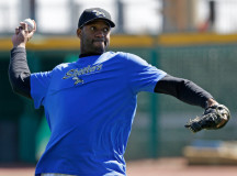 Tracy McGrady makes his pro debut in baseball – PHOTOS