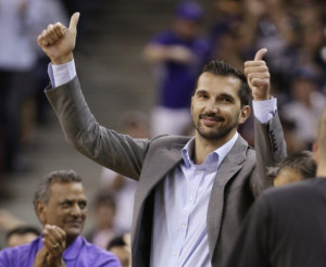 stojakovic-visits-mavs