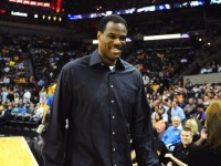David Robinson to host basketball camp for kids in San Antonio