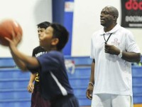 Ex-NBA guard: Working with kids more meaningful than breaking Magic Johnson's record