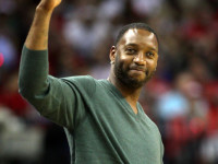 Tracy McGrady quits baseball, plans to try something else