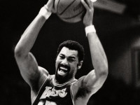 Amazing Wilt Chamberlain: 45 minutes of non-stop highlights (VIDEO)
