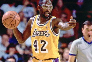 james-worthy-lakers-court