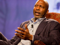 James Worthy to Carmelo: Your wife more popular in LA than you are