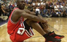 Michael Jordan's 1997-98 Chicago Bulls contract on auction
