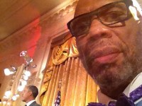 Abdul-Jabbar in the White House: meets Mutombo, takes selfie with Obama – PHOTO