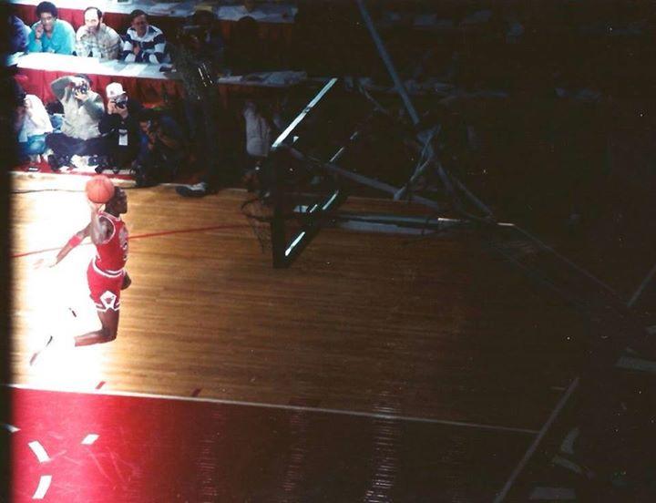 jordan-1988-freethrow-dunk-new-angle