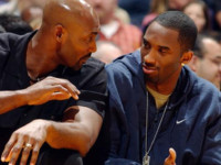 Jordan encourages Kobe to pass Karl Malone on all-time scoring list