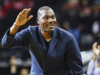 "Olajuwon talks ""Jordan or LeBron"", discusses NBA holding games in UK"