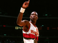 "Dikembe Mutombo to be honored with ""giant foam fingers"""