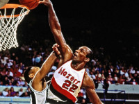 Clyde Drexler – top 10 career NBA dunks (VIDEO)