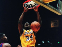 Shaq attack: Diesel runs the floor, spins, dunks – fans go crazy!