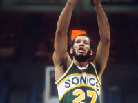 Ex-NBA champion dies at 68