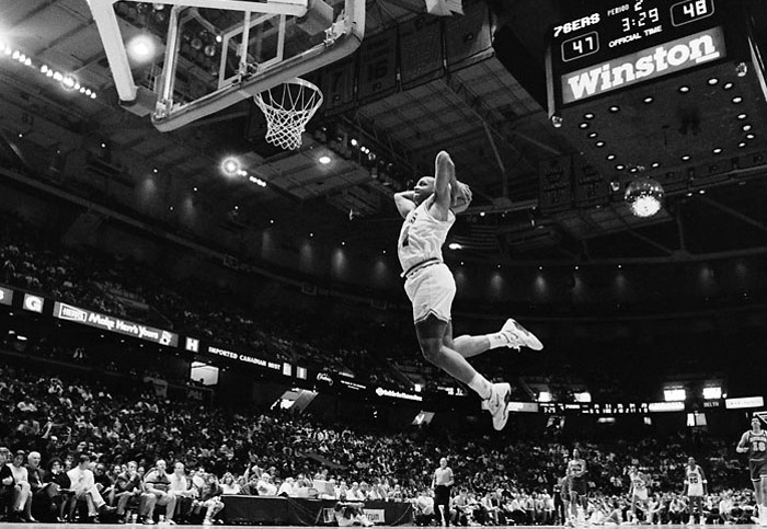 barkley-sixers-flying