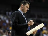 Luke Walton gets top job with Lakers, makes fun of his HoF father