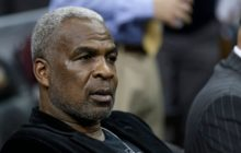Charles Oakley rejects plea deal, will fight NY Knicks in court