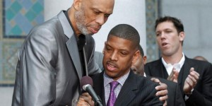 Ex-NBA players support lifetime ban on LA Clippers owner - PHOTOS