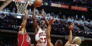 Alonzo Mourning: Jordan would probably average 50 points in NBA today