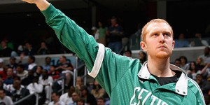 Brian Scalabrine returns to Boston, mocks LeBron's comeback