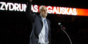 Cleveland Cavs retire jersey of ex-center Zydrunas Ilgauskas - PHOTOS